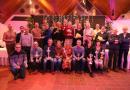 Winnaars scholenveldloop vallen in de prijzen tijdens Prijsuitreiking 'Wisselbeker Gouverneur'
