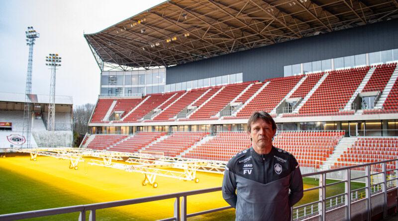 Nieuwe Trainer R.A.F.C.